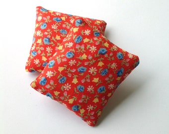 Set of two red miniature throw pillows, Colorful floral mini pillows 1:6 scale, Dollhouse cushions, pink flowers fashion doll decor ma18