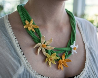 Crochet Daffodil Flowers and Necklace Pattern