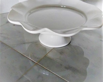 Cake Stand White ceramic. Handsome Wide Fluted Edge. Elegant display and serving for Wedding, Birthday or other special occasion.