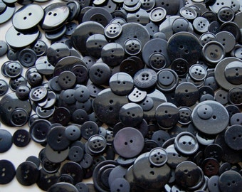 25 Black Button Mix, Assorted sizes - Crafting -  Jewelry -  Collect (868)