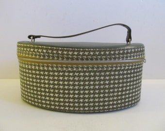 Overnight Bag, Luggage, Suitcases, Cosmetic Bags, Green Luggage, Green Hounds tooth Luggage, Womens Luggage, Train Case
