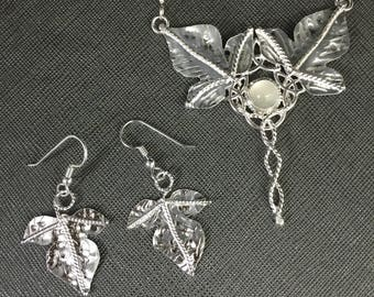 Elvish-Inspired necklace and leaf Earring set in sterling silver with moonstones, woodland necklace and leaf earrings set, bridal OOAK Sets