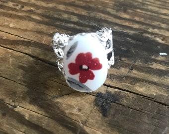 Broken China Adjustable Flower Ring