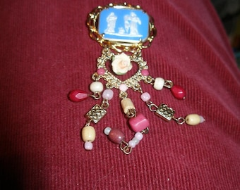 PIN BROOCH Beautiful Vintage cabochon  angel Gabriel says Mary pregnant with Jesus - modern view  trashionteam WWWG  FunkyAlternativeJewelry