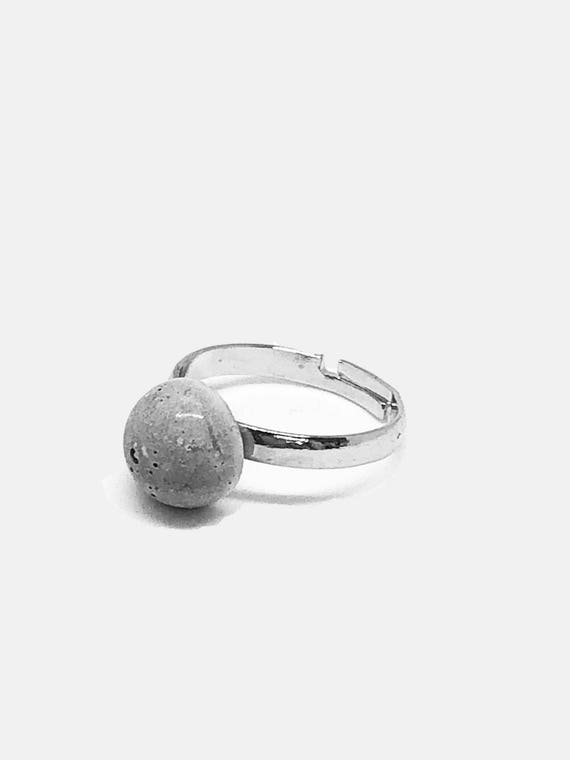 Ring adjustable with concrete block concrete concrete jewelry gray gift for women handmade jewelry