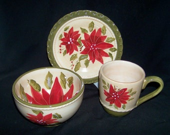 Ambiance Collection Red Poinsettia 3 Pc Pl Breakfast Trio Micro Dishwasher Safe
