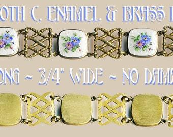 Bracelet--Lovely Vintage Hand Painted Enamel Flowers in Squarish Brass Links