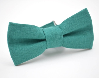 Boys Bowtie in Teal Linen, Turquoise Bow Tie, Boys Teal Bow Tie, Boys Bow Tie, Ring Bearer Bow Tie, Wedding Bow Tie