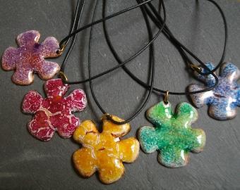 Flower pendant-enamels on copper, cotton, brass- Handmade by Les z'émaux