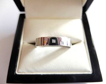 18ct White gold/diamond/wedding/engagement ring