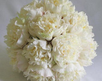 White/offwhite/ivory, Real Touch, peony / peonies, bouquet, silk, wedding, flowers, Bride, Groom, set