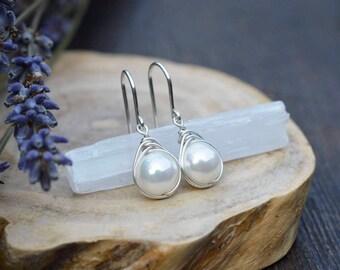 Pearl Earrings 925 - Wire Wrapped Drop Earring -Feminine Earrings - The Ivy Bee