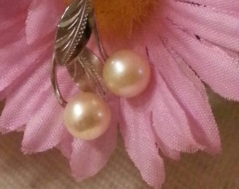 Open Clam Pearl Pendant, Chain, Sterling Silver Leaf, Marineland, Piece of History