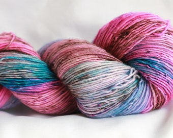 PLAY TIME - speckle dyed Super wash merino single ply 100 Grams (400 yds) free shipping
