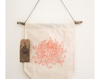 Chrysanthemum lino printed wall hanging, coral pink flower banner, cotton sewn decoration, floral wall decoration, home decor, handmade