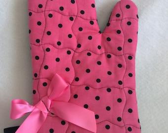 Single Pink and Black Polka Dot Oven Mitt