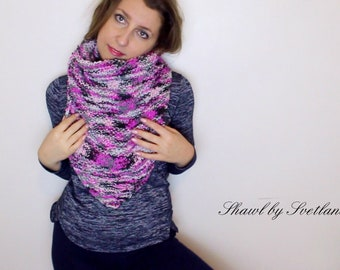 Triangular shawl with the wire