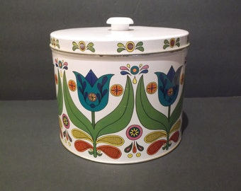 Bisquick Vintage Folk Art Tin with Recipes