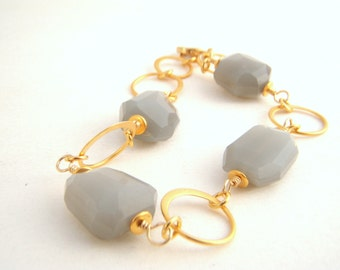 Gray Agate Nugget Bracelet - Gold - Dove Gray - Classic - Chunky - Wire Wrapped