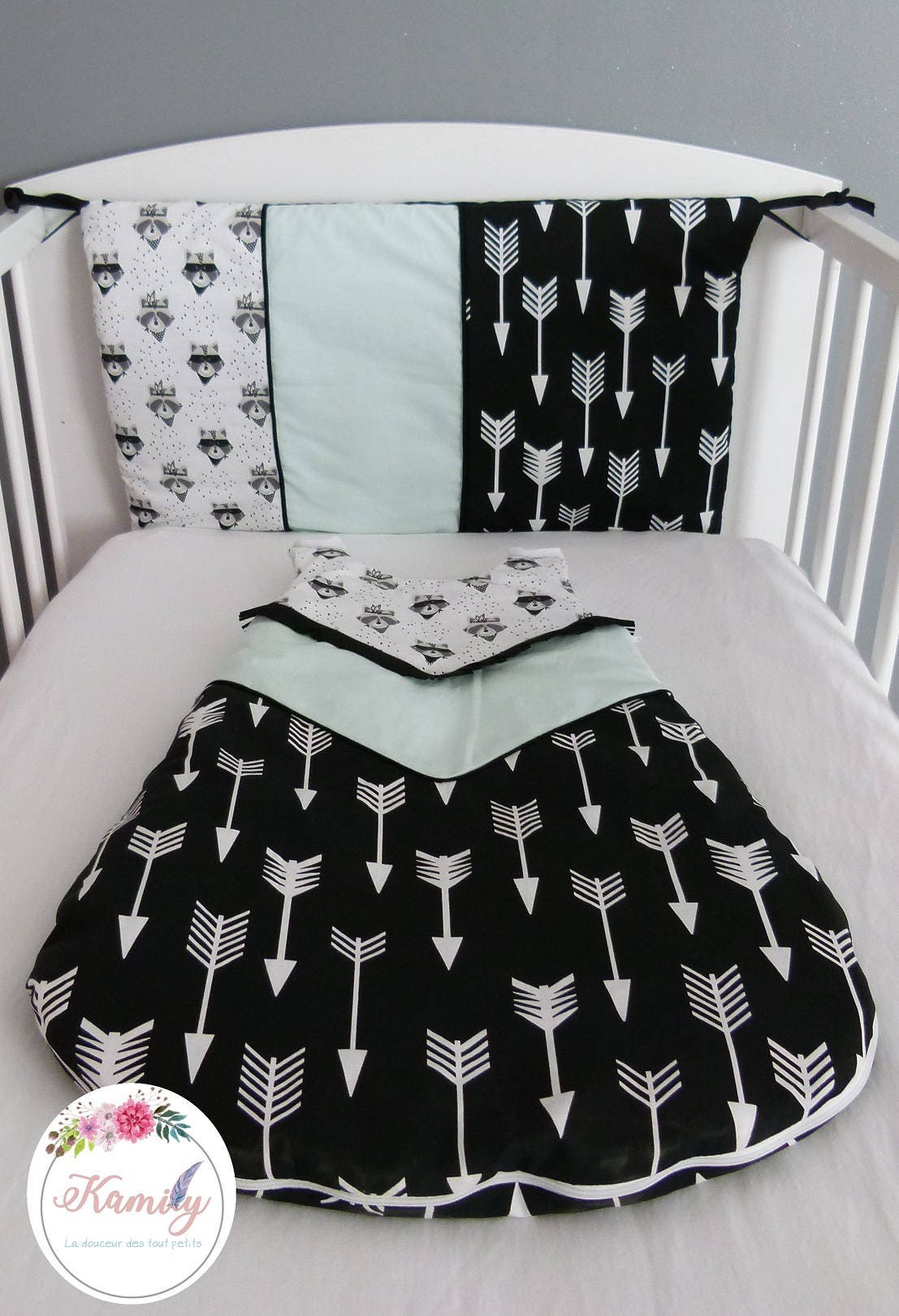 ensemble b b gigoteuse et t te de lit raton. Black Bedroom Furniture Sets. Home Design Ideas
