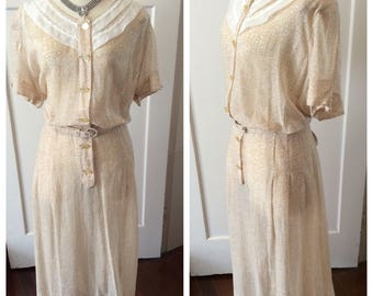 1940s ivory and beige sheer rayon frock – Sz Volup