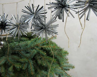 Silver Christmas Garland Star garland Silver snowflakes garland Modern Christmas decor Gray Black Silver New year Christmas mantel garland