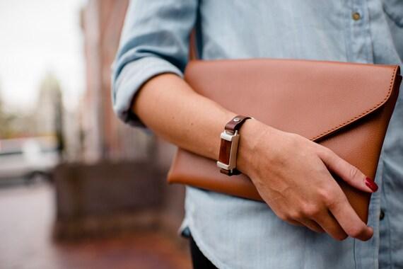 woman 39 s leather fit bit bracelet silver and agate holder. Black Bedroom Furniture Sets. Home Design Ideas