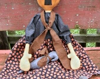 Ms Squash EPATTERN -primitive halloween pumpkin head crow cloth doll craft digital download sewing pattern- PDF - 1.99