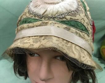 1920's Silk Velvet and Lace Cloche