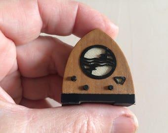 Dollshouse miniature radio