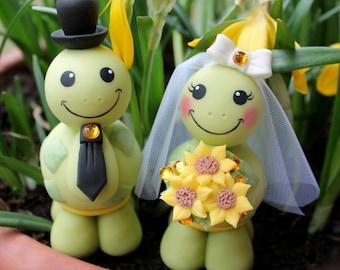 Wedding cake topper, custom turtle cake topper, bride and groom cake topper, cute animal cake topper, country cake topper, sunflower bouquet