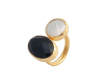 Gold Coated Silver Ring With Faceted Oval Onyx Stone and a Pearl, black onyx ring, black and white two stone ring, gemstone statement ring