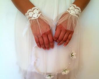 Lace Wedding Gloves,Ivory Wedding Gloves,Fingerless Wedding Gloves,Bridal Gloves,Ivory Lace Bridal Gloves,Vintage Lace,Lace Gloves