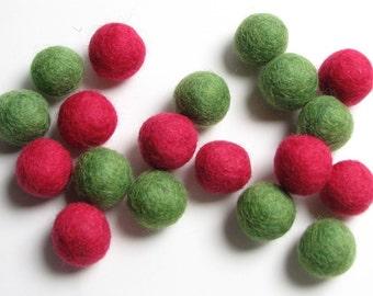 Creative Pack - 20PC  Green/Salmon Felt Balls 1.5CM