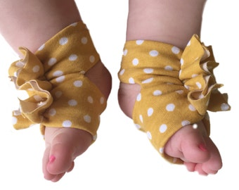 Baby Sandals - Baby Barefoot Sandals - Mustard Baby Shoes - Polka Dot Baby Shoes - Baby Girl - Baby Accessory - Soft Baby shoes