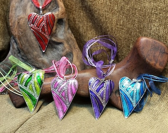 5 Colors ~ Stunning Bold Heart Necklace