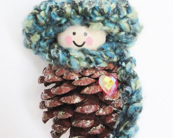 Pinecone Gnome Christmas Tree Ornament Heart Crocheted Green Hat & Scarf Handpainted Wooden Holiday Decoration Distinctly Daisy