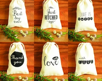 100 Mixed wedding favour bags in six designs, printed calico cotton favour bags, muslin favor bags, printed gift pouches, rustic favor bags