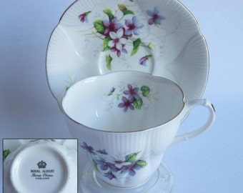 Royal Albert Un-Named Purple and White Violets Bone China Tea Cup and Saucer Dainty Shape