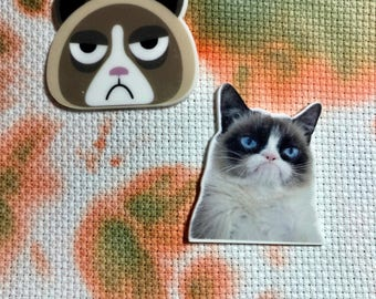 Resin Unhappy Grumpy Cranky Cat Inspired Needle Minder