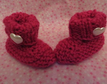 Pink Baby Booties, Knitted Baby Booties, 0-3 months, Baby Slippers, Baby Girl, Heart Baby Booties, Baby Gift, Pregnancy Announcement,