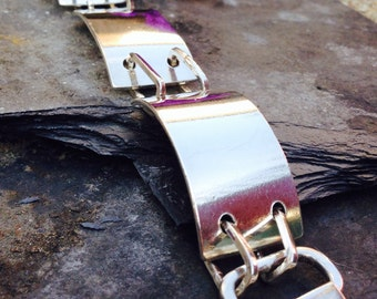 Stunning Heavy weight linked silver bracelet.  British Made.