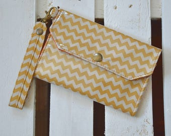 Woman wallet with fabric handle lines zig zag ecru and woman wallet Mustard