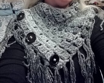 Cowl with fringe and buttons