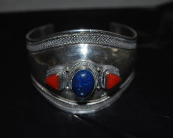 Sterling silver cuff bracelet with lapis and spiney oyster.