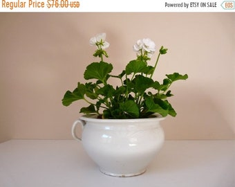 50% DISCOUNT French antique Chamber pot -  French Pottery, antique french Off-white pottery- French Planter