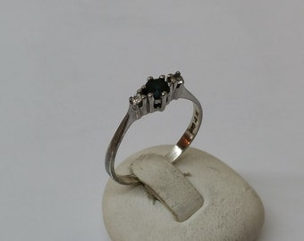 925 Silver ring with blue Sapphire 17.1 mm / size 6.8 SR131