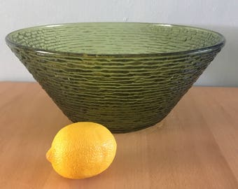 Gorgeous vintage Anchor Hocking Soreno large bowl in textured avocado green glass for Boho Jungalow or tropical Old Florida home!