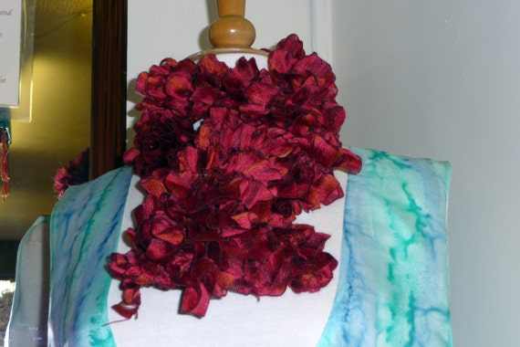 Handknitted Ruffles Scarf in Red and Rust