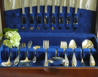 Vintage National Silver Co. 1937  Rose and Leaf Silverplate Flatware for Eight 46 Pieces in Chest